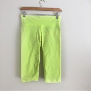 GAP Fit Neon Yellow Capris Leggings sz XS ✨